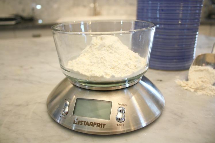 flour-on-kitchen-scale