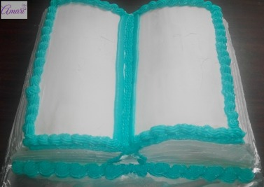 Bible cake with blue borders2