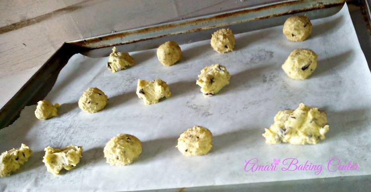 Choc Chip Cookie dough on tray-Amari Cookie Classes Oct 2016