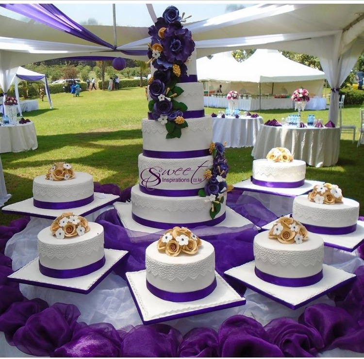 12 piece wedding cake - Sweet Inspirations