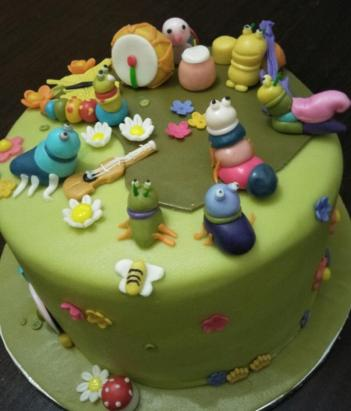 Animal cake by Emily side view