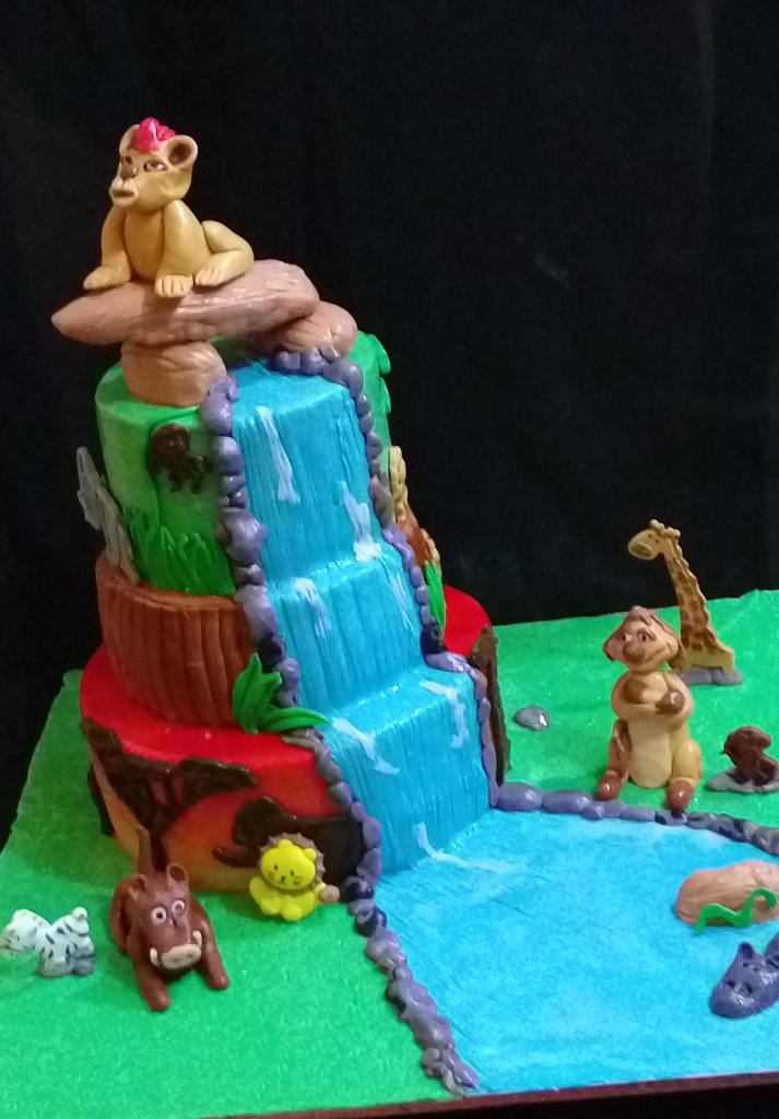Animals and pool cake by Martha of Marthas Cake House