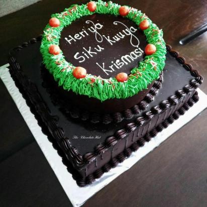 Christmas cake_chocolate hut