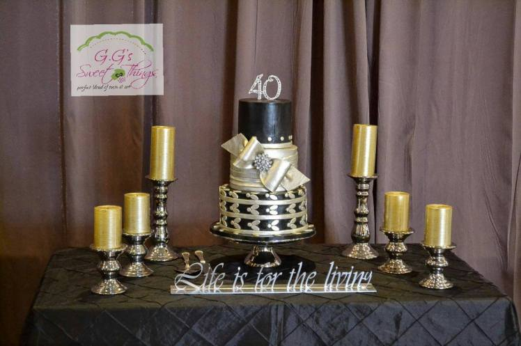 Gold and silver wedding cake by Gaceri of GGs
