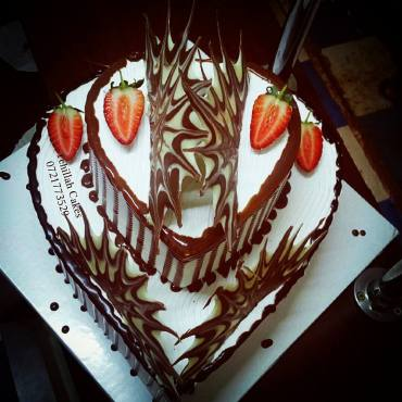 Marbled Shard cake by Leone Terry of Tehillah Cakes & Caterers