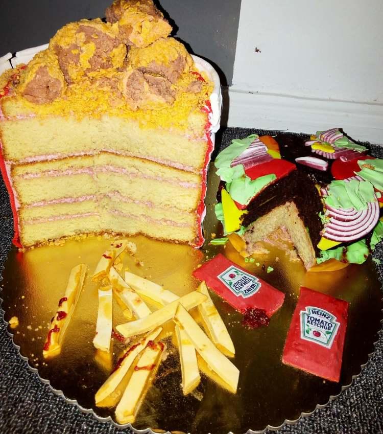 TamTams Burger cake Sliced